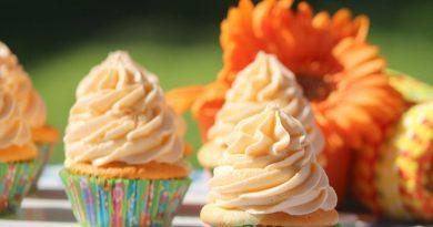 finished orange Julius cupcakes.