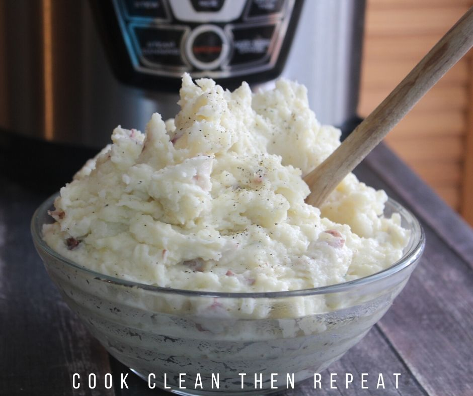 instant pot mashed potatoes finished and ready to eat.