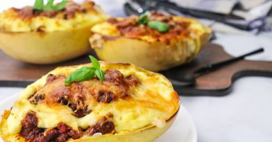 Featured image showing the recipe for baked spaghetti squash finished and ready to be shared.