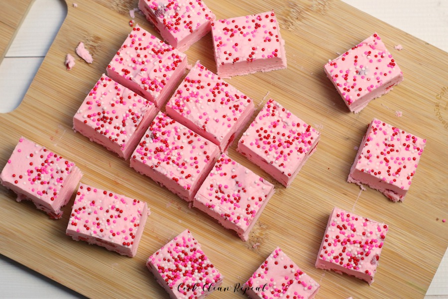 A finished look at the quick and easy fudge with strawberries and sprinkles.