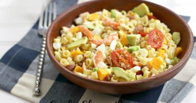 Featured Image showing the finished pasta salad with shrimp ready to eat.