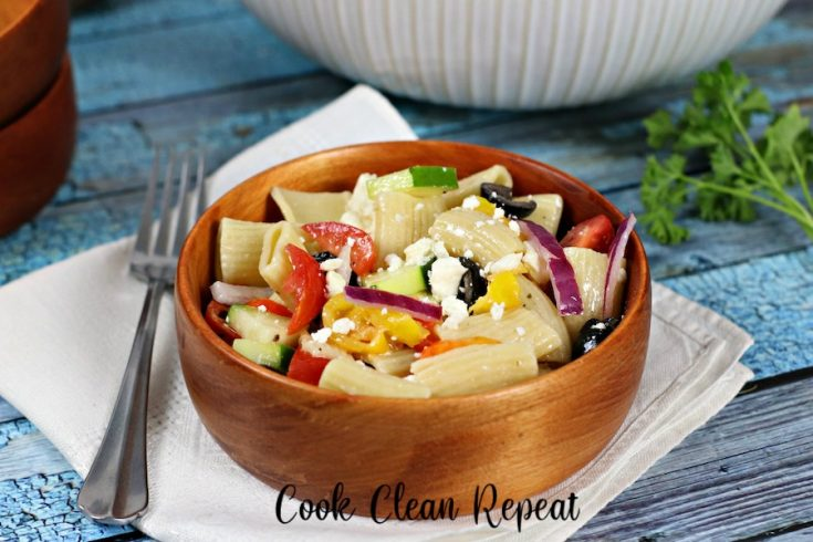 Featured image showing the finished greek pasta salad