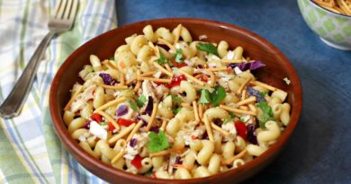 Featured image showing the finished pasta salad with chicken.