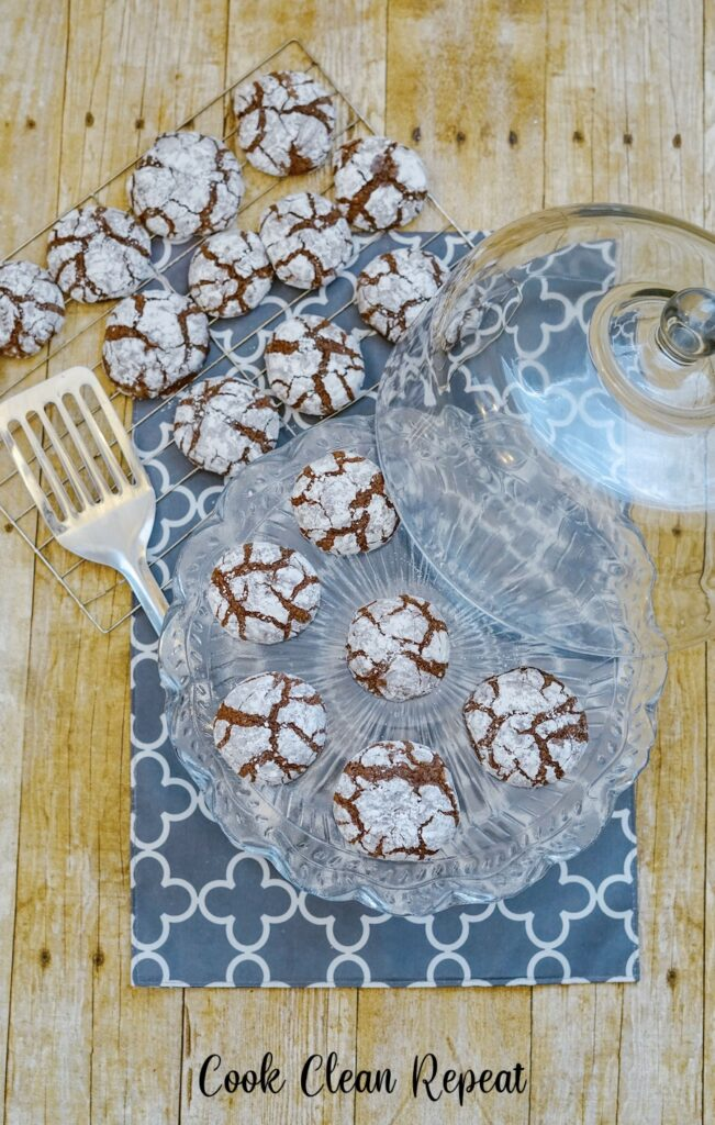 A top down view of the finished cookies on a serving platter ready to eat.