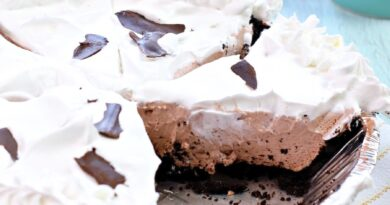 Chocolate Cheesecake Pie With Pudding