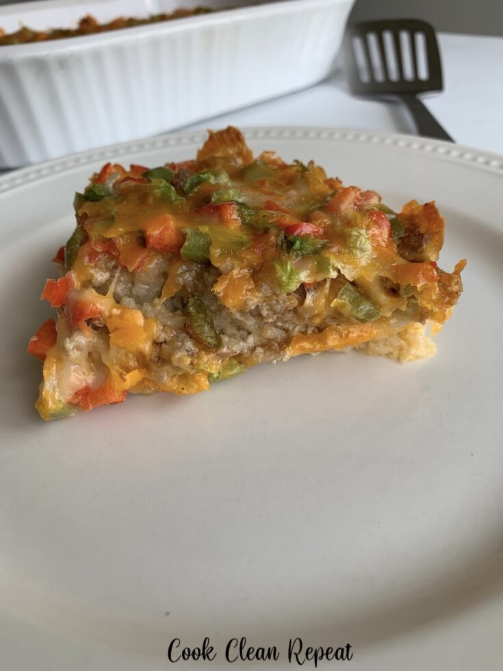Image showing the finished tatertot breakfast casserole ready to eat.