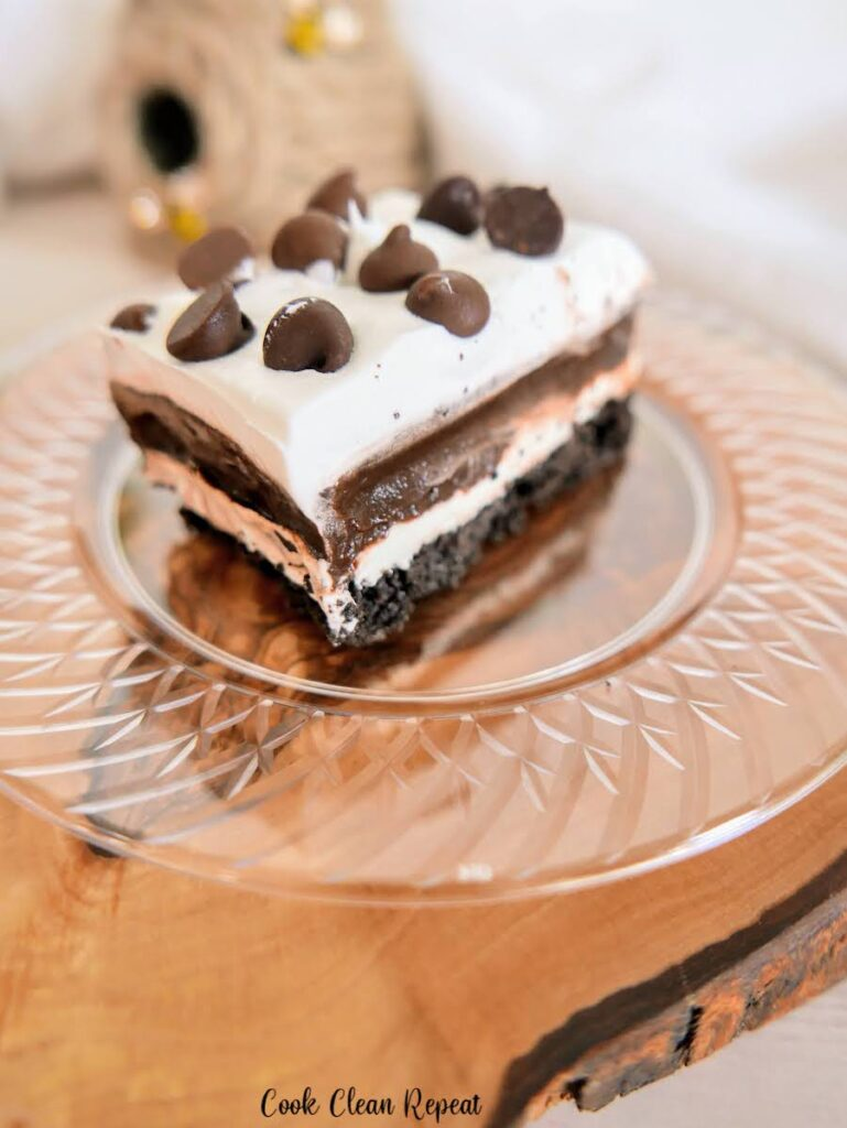 A delicious slice of the chocolate lasagna ready to be served.