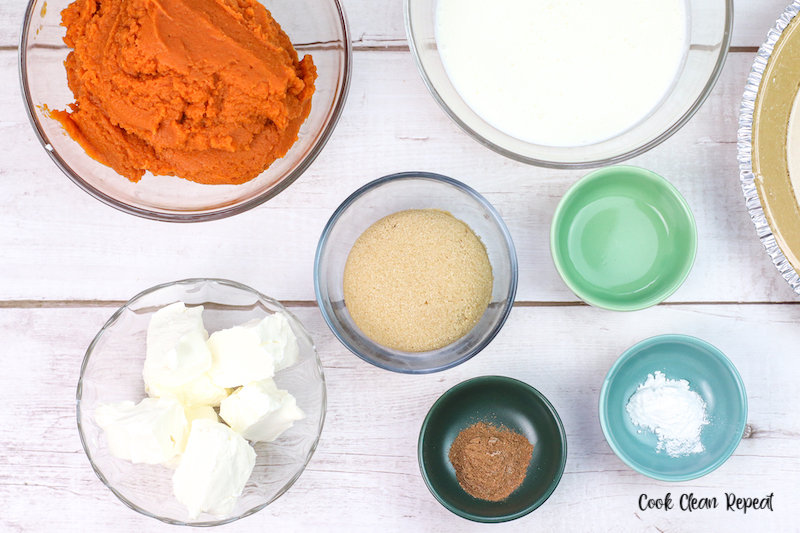 ingredients needed to make no bake pumpkin pie ready to use.