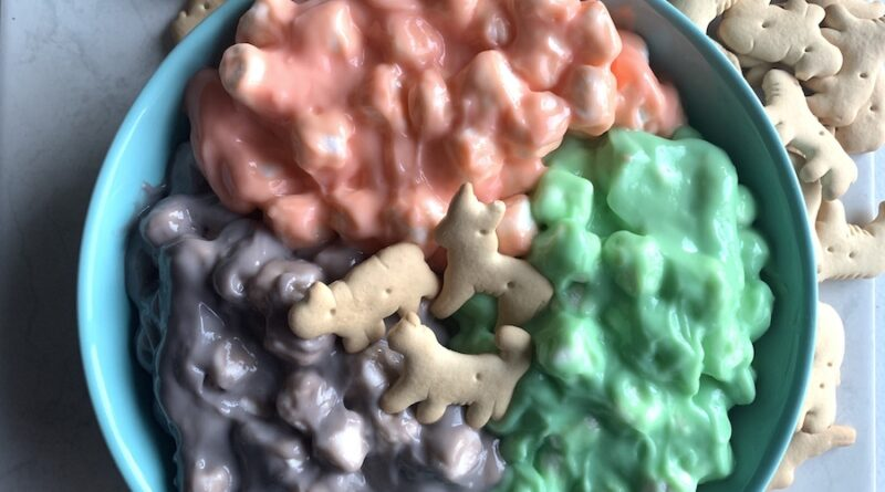 Featured image showing the finished unicorn fluff ready to be shared.