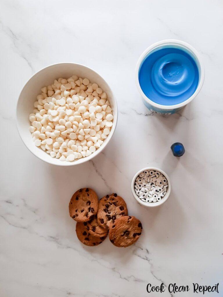 Ingredients needed to make Cookie Monster fudge.