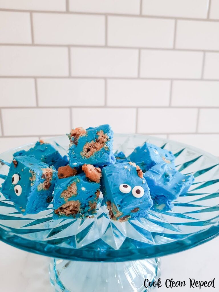 A plate full of the finished Cookie Monster fudge ready to eat.