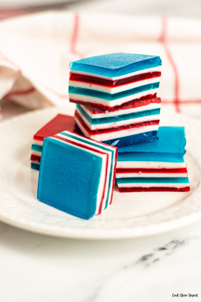 Side view of the finished jello squares ready to be served.