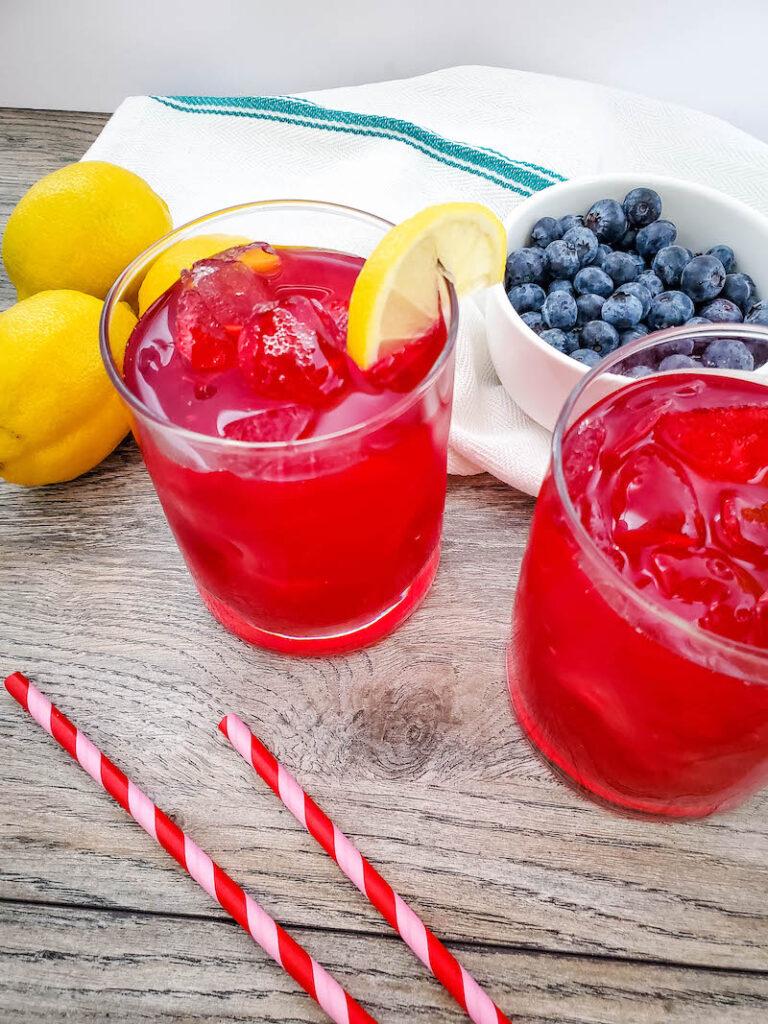 Blueberry lemonade recipe ready to drink.