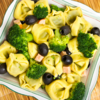 Tortellini salads are perfect for meal prep, family gatherings, and parties. Here are some tortellini salad recipes you shouldn't miss!