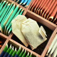 cleaning with tea bags featured image