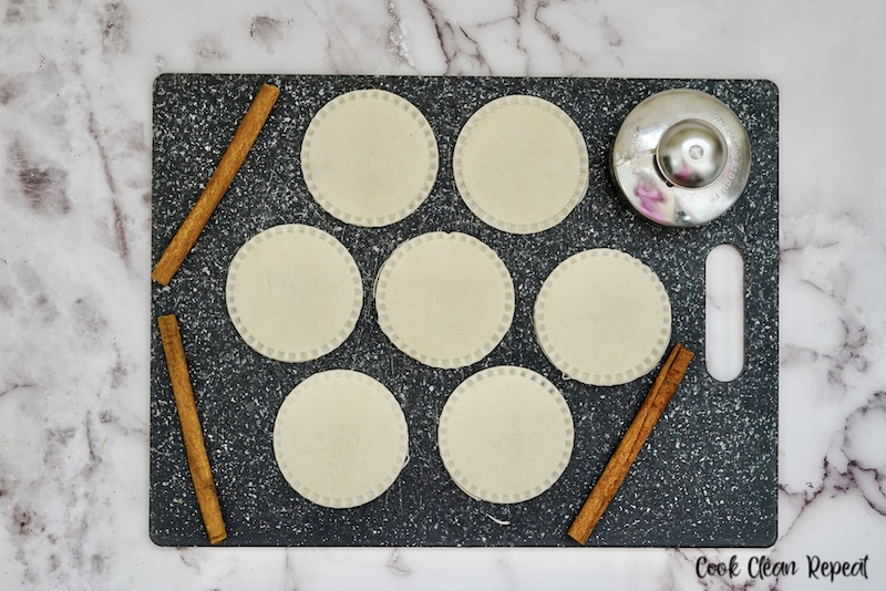 tops placed on the pies ready to be baked or air fried.